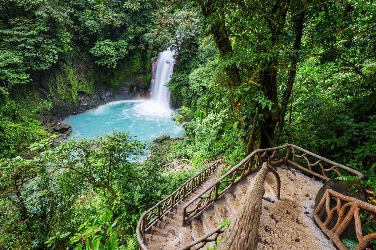 sustainable tourist